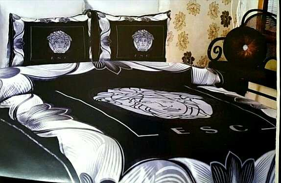 Луксозен спален комплект Versace - Черно/Бяло